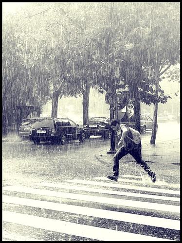 Saltando bajo la lluvia 064/365
