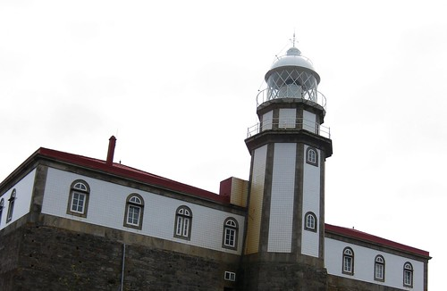 Torre octogonal do faro de Ons
