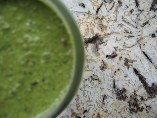basil & almond pesto