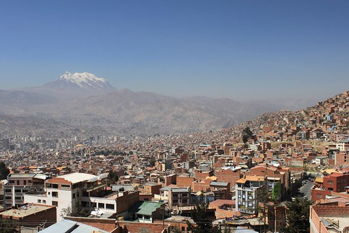 La Paz with Illimani (6,438 m) in the background