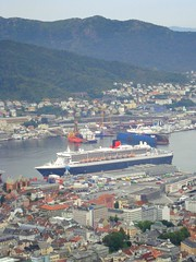Queen Mary 2 in Bergen, Norway (DolceDanielle) Tags: norway view top panoramic mount fjord bergen floyen flyen flyfjellet