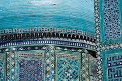 Shah-i-Zinda ( ), Samarkand (Samarqand, , ), Uzbekistan (Ozbekiston, ) (Loc BROHARD) Tags: persian asia madrasah minaret islam mosaics persia mosque unesco worldheritagesite mausoleum cupola silkroad calligraphy uzbekistan centralasia samarkand madrassa necropolis timur sovietunion mosque perse turkic samarqand madrasa  uzbek calligraphie majolica medrese shahizinda octahedron madarsa medresa tamerlane  ouzbkistan madraza  samarcande tamburlaine mdersa anawesomeshot   ulughbeg earthasia madarasaa kusamibnabbas ozbekiston greatsilkroad ozbekstan  timuridempire maracanda semerkant chakhizinda persiansamanid khodjaakhmad shadimulkaga shirinbikaaga kazizaderumi