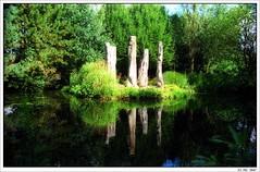 Seen in ''Levenstuinen Groot Hontschoten'' (Strange Artifact) Tags: nikon coolscan iv f90x kiron vuescan 28210