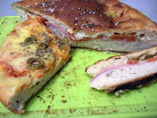 Focaccia rellena y focaccia a la pizza