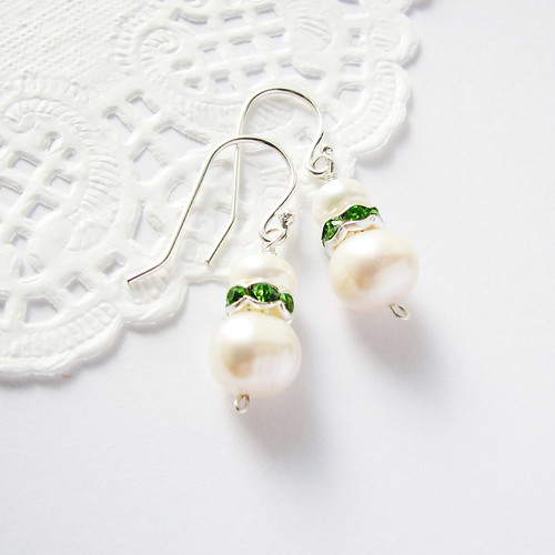 freshwater pearl earrings with peridot green sparkling zircone