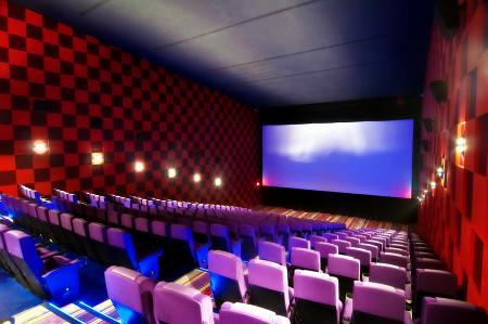 Inside Newport Cinema, their widescreen - Movie Reviews - PinayReviewer.com
