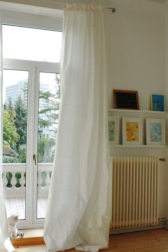 New_curtains_in_the_living_room