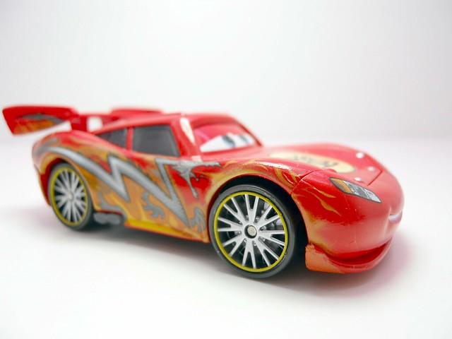 cars toon tokyo mater dragon lightning mcqueen (2)
