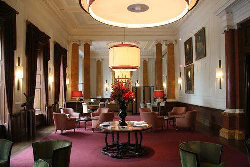 Hotel Lobby chic