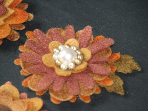 autumn felt flower pin 012
