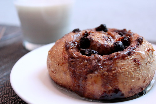 dried cranberry cocoa cinnamon roll