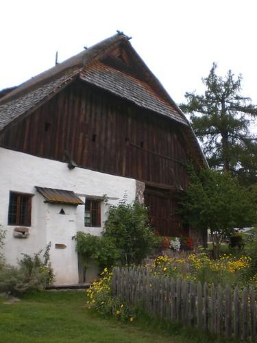 Das Museum ist im historisch einzigartigen Plattnerhof oberhalb des Wolfsgrubner Sees untergebracht