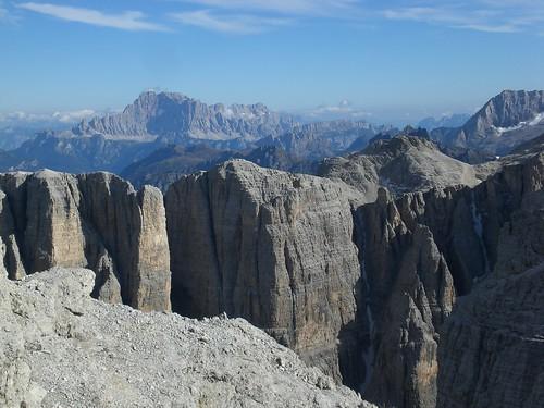 Blick auf die östlichen Ausläufer des Sellamassivs von der Pisciadu Hütte