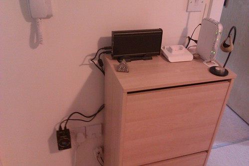 GuruPlug in a wall socket with connected peripherals