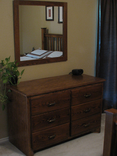 Dresser 002