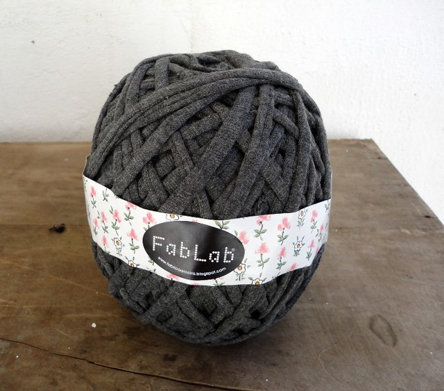 FabLAB Atelier recycled fabric yarns 2