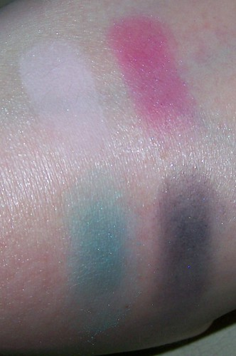 MAC Hello Kitty Too Dolly swatches