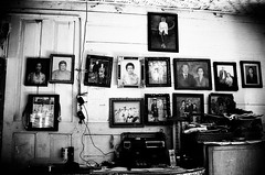 family tree (khaniv13) Tags: family portrait film wall analog photograph frame nikonfe aristaedu400 khaniv13 afs35mmf18dx