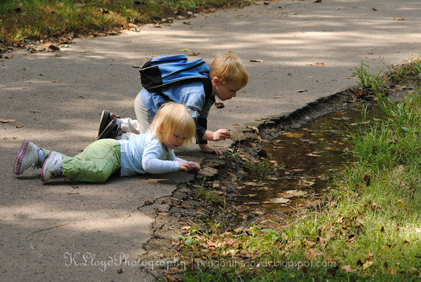 Kids-playing-in-puddle---wm