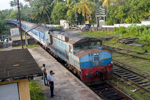 'Ruhunu Kumari' Express train at Aluthgama