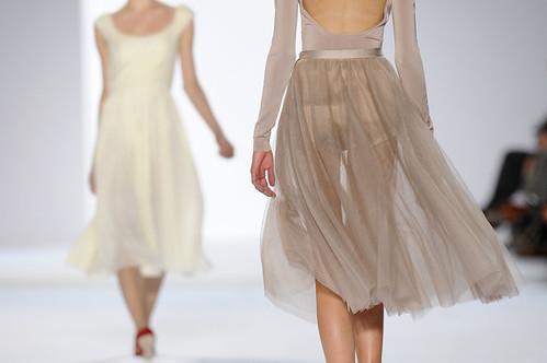 Chloe+Paris+Fashion+Week+Spring+Summer+2011+UR7aYcXssnBl