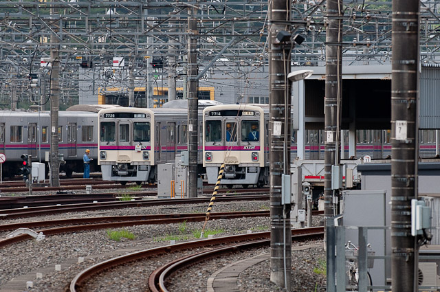 京王電鉄7000系7014F 7026F並び