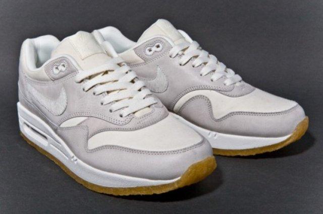 NIKE-AIR-MAX-1-PREMIUM-SAIL-GUM-sneaker-1-540x359