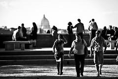 Repetita Iuvant (Stefano Mazzoni) Tags: blackandwhite bw roma nikon italia streetphotography bn biancoenero aventino giardinodegliaranci stefanomazzoni fotografiadistrada settembre2010