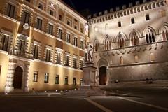 Unterwegs in Siena - Piazza Salembini bei Nacht