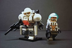 Snow Suit & Artic Trooper (The One And Only Mr.R) Tags: cold one lego mr bricks goggles suit r only fad helmets lolwut theoneandonlymrr zeesi