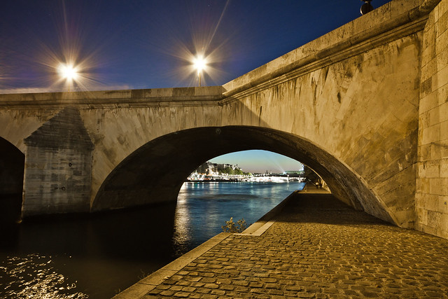 Pont Royal Paris par Franck Vervial