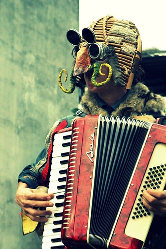 Italian Street Performer