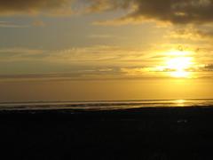 Sonnenuntergang (O!i aus F) Tags: sunset germany deutschland sonnenuntergang nebel cloudy insel osm sonne deutsche amrum k7 nordfriesland friesische nordfriesischeinsel northseaisland nordseegeestkerninselsandstrandstrandmeerseeseaoddekniepsandwatt