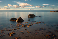Sea, Light and Stones (Dietrich Bojko Photographie) Tags: light bw seascape d50 germany landscape island herbst balticsea nikond50 rgen landschaft ostsee mecklenburgvorpommern deutschalnd wreechen nd1000 mywinners dietrichbojko islandofrgen globalindex mygearandmepremium