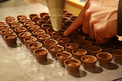 Chocolat au caf (ceronne) Tags: paris france chocolate feed francia chocolat parigi cacao salonduchocolat salonchocolat lesalonduchocolat