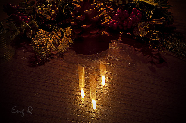 candles reflection