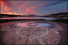 Good Morning Seattle (Vinnyimages) Tags: seattle city sunrise washington gasworks washingtonstate gasworkspark pinkblue vinnyimages wwwvinnyimagescom vinnyimagescom