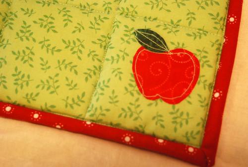 Apple Potholders Applique
