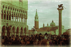 San Marco ... (F@brizioM.) Tags: vintage d50 photo retro winner laguna venezia leone soe sanmarco italians goldenglobe instantfave a golddragon beautifulcapture mywinners diamondheart platinumphoto anawesomeshot flickrphotoaward flickrelite astoundingimage nginationalgeographicbyitalianpeople unlimitedphotos hccity goldenvisions nikonclubit oldpalazzograssi