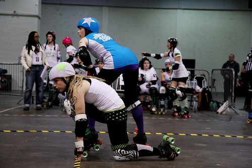 Ultraviolent Femmes va Suffra Jets - London Rollergirls