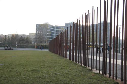 Mauer Monument