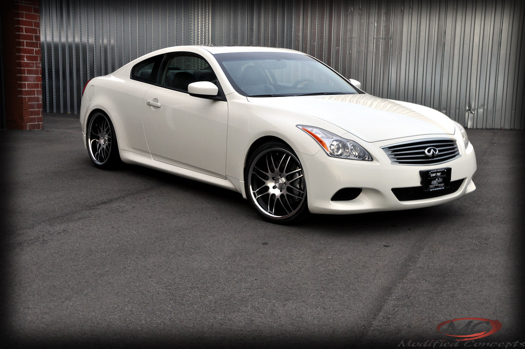 2009 INFINITI G37S FITTED WITH CONCEPT ONE EXECUTIVE RS-8