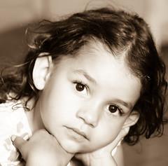 Isadora (Martha MGR) Tags: portrait sepia children isadora monocrome mmgr marthamgr marthamariagrabnerraymundo marthamgraymundo