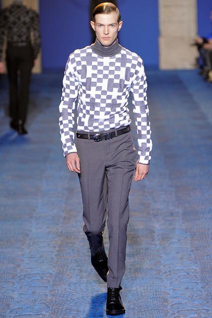 Adrian Bosch3112_FW11_Milan_Versace(VOGUEcom)