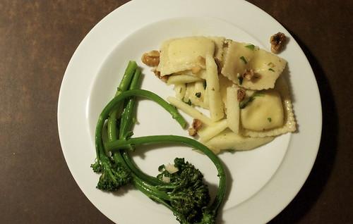 Ravioli w/apples & walnuts; broccoli rabe