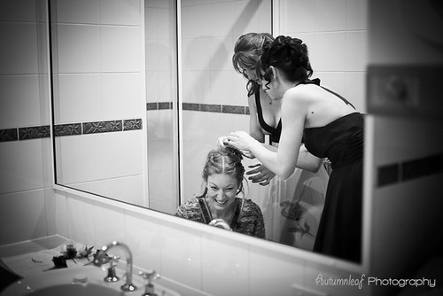 Rebecca & Loren - Bride getting hair done
