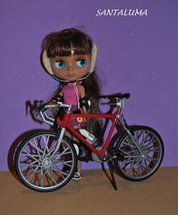 Agora vou de bike para aquecer mais um pouquinho, diz Naomy!!