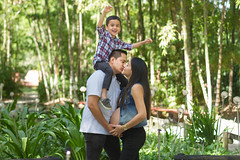_MG_8450 (raulmejiafotos) Tags: aprobado amor embarazo embarazada mama mamá hijos hija barriga love familia family kiss mommy garden jardin pareja