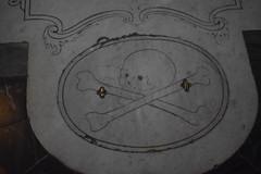 Grave Detail, Santa Croce (Bebopgirl1969) Tags: florence santacroce grave skull crossbones