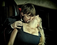 The Kiss of the Vampire! (Batram) Tags: urban castle beauty germany deutschland for thringen sale vampire decay thuringia villa mansion rent juliet exploration chteau vamp vampyr urbex vampir auerbach saalfeld contactme jonib